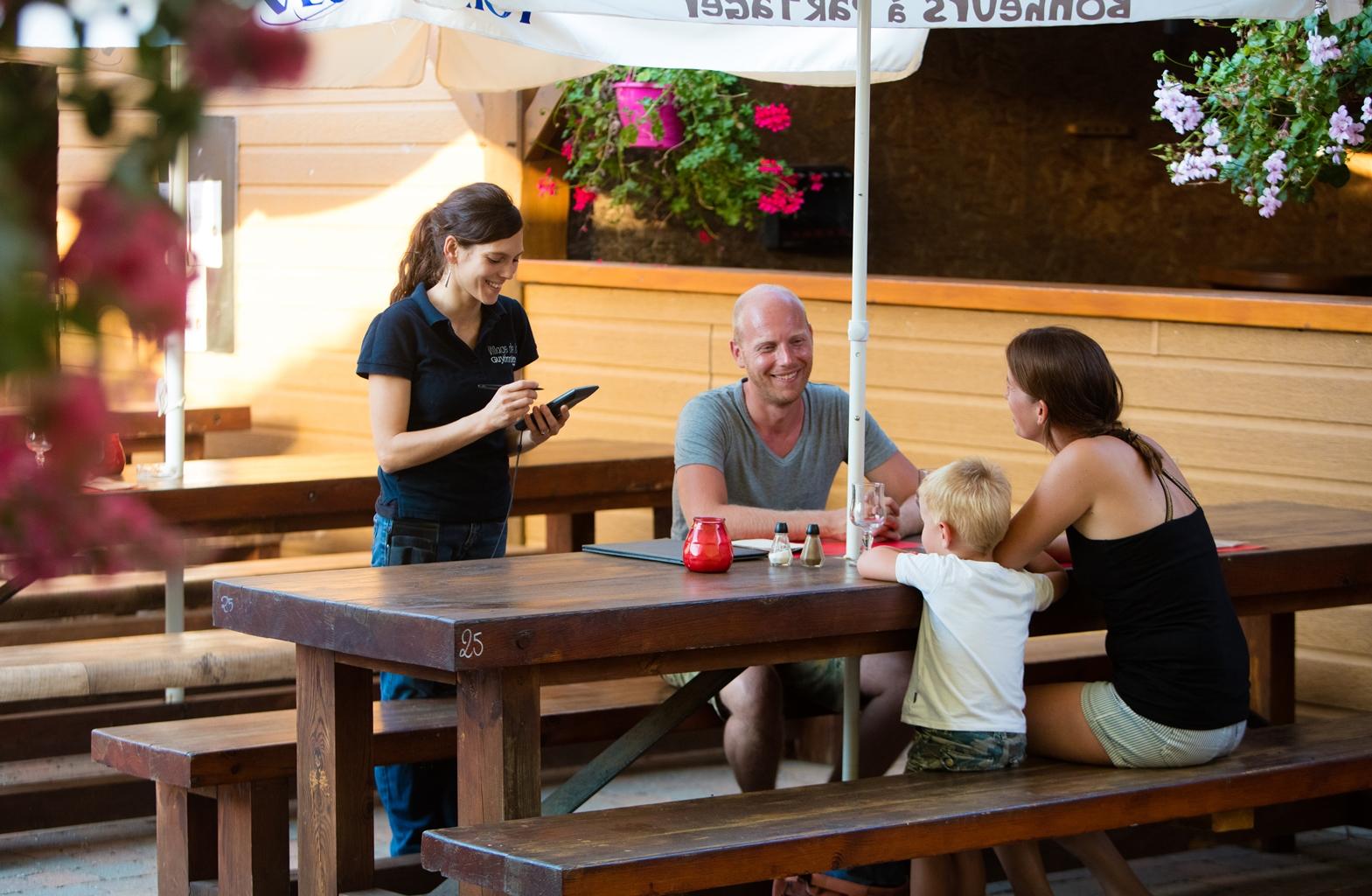 restaurant--terrasse-2016-8.jpg