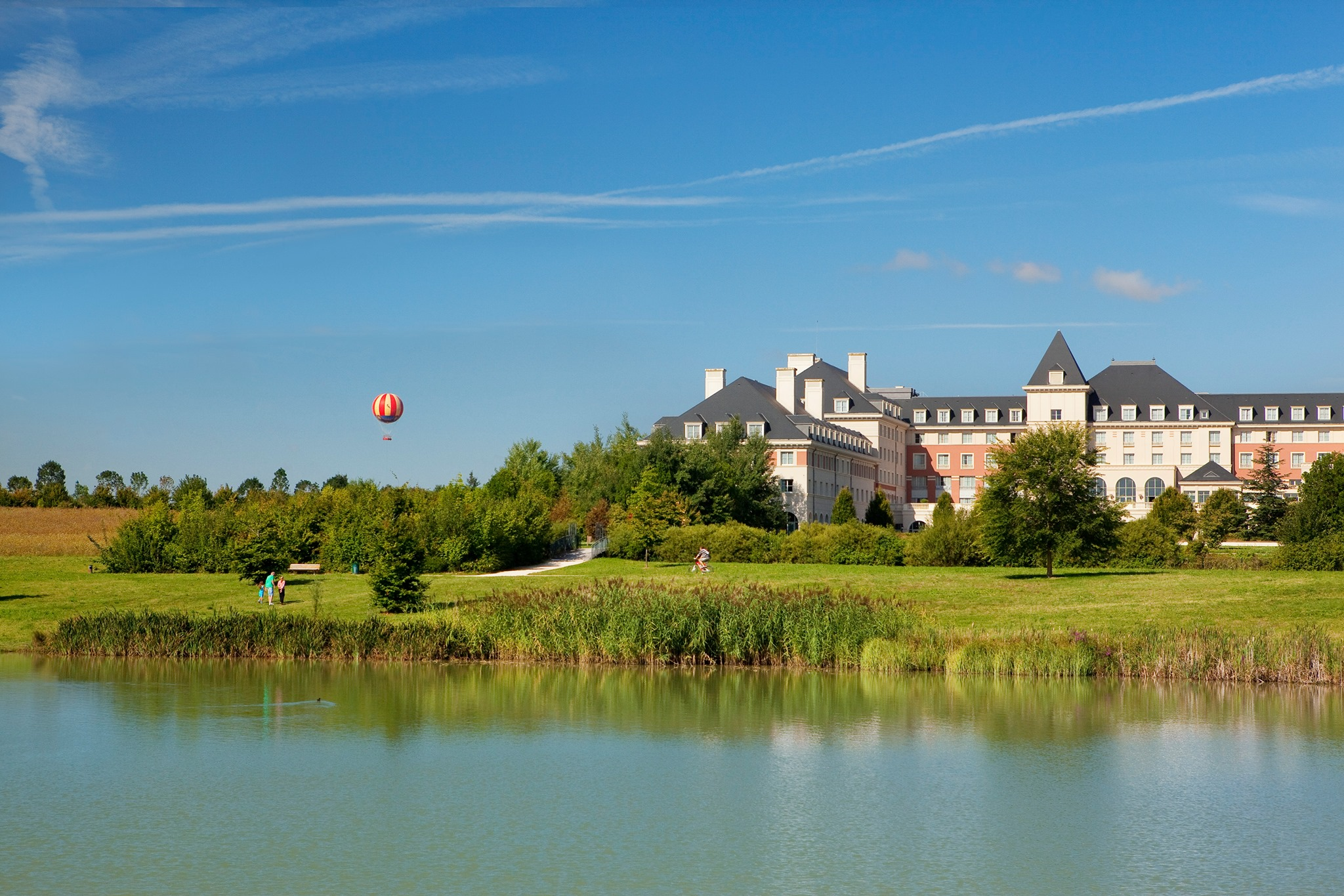 dream-castle-hotel.jpg
