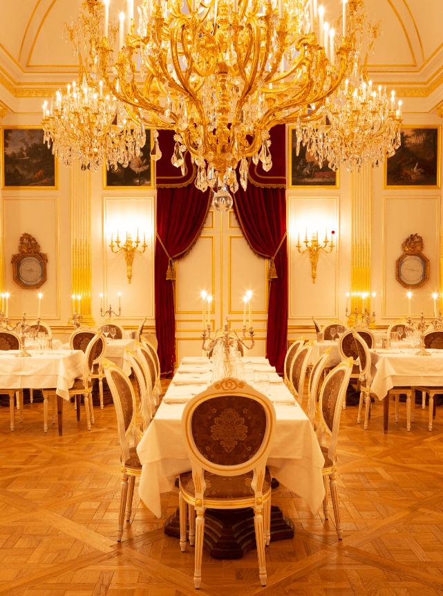 Le Salon Dore Jean de La Fontaine des Grands Buffets