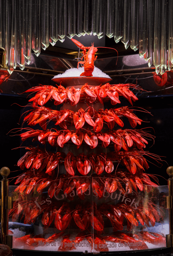 Cascade de homards des Grands Buffets